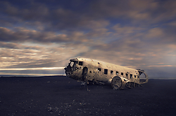 DA065_DT_So_769_lheimasandur_Plane_Crash_Iceland.jpg